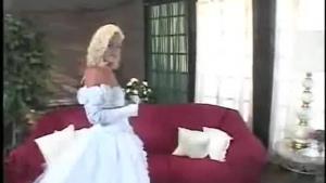 Sensual sorority wedding with asseat loving